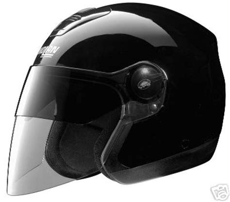 Helm Nolan N42 general discontent wear a helmet
