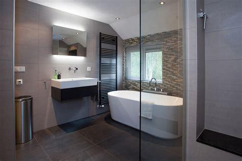 exclusieve badkamers groningen warm modern de jong sanitair