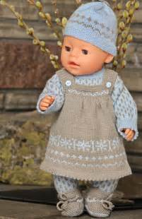 Trendy and stylish dresses pattern for knitting doll dress