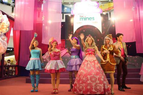 barbie movies images entire cast live show sort hd wallpaper background