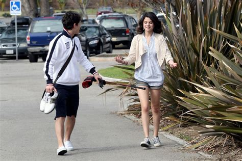 nick jonas house selena gomez nick jonas photos nick jonas leaves his house 25 of 30 zimbio