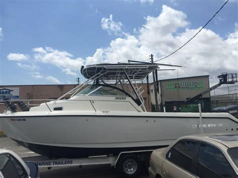century saltwater boats 1998 used century 3000 sport cabin saltwater fishing boat