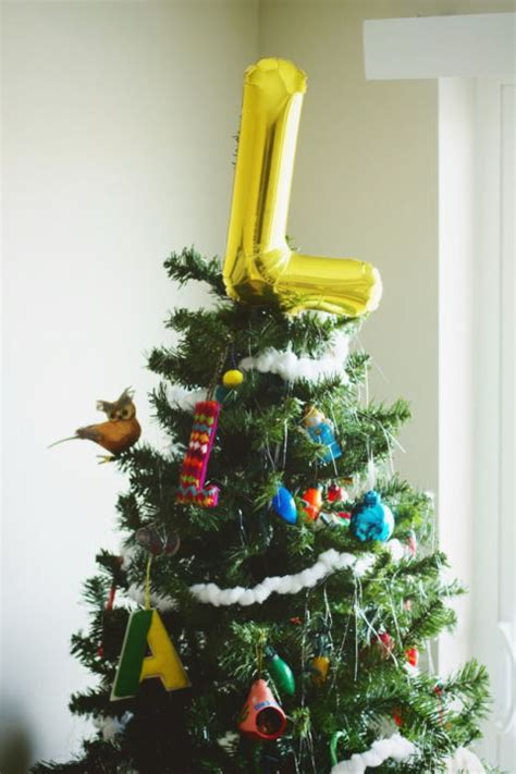 unique christmas tree toppers 25 unique christmas tree toppers to complete your