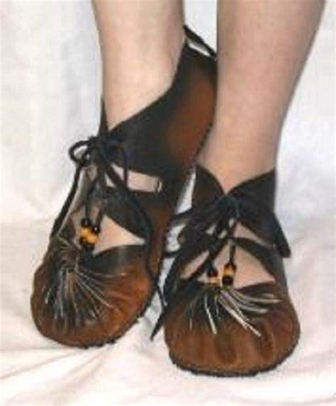 Handmade Renaissance Boots - ghillies renaissance shoes gillies s and s