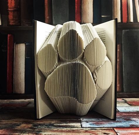 Origami Sculptures - origamibook5 fubiz media