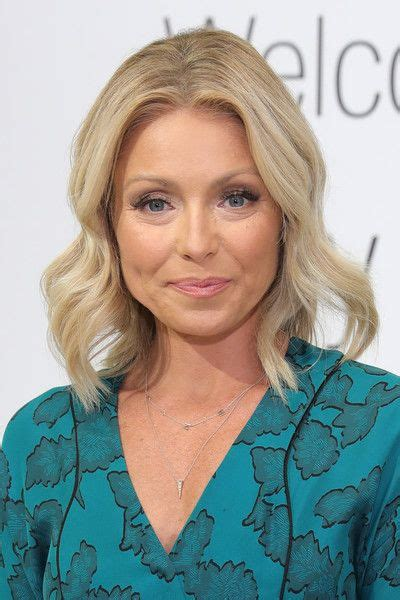 kelly ripa with curls 17 best images about medium hairstyles on pinterest bobs
