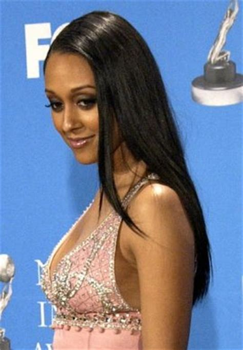 tia mowry long straight hair extensions hairstyle hot celebrity hairstyles women tia mowry