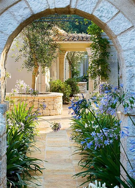 style courtyards best 25 small courtyards ideas on small courtyard gardens courtyard gardens and