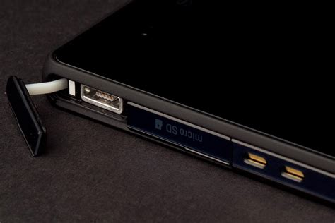 Port Usb Xperia Z sony xperia z review digital trends