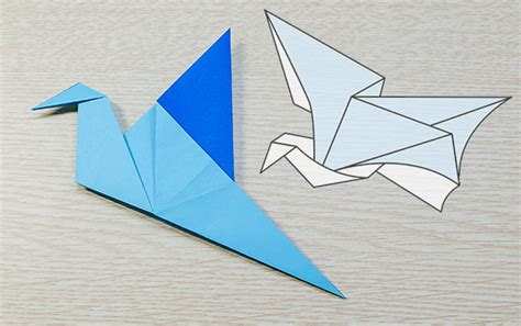 origami swan that flaps wings comot