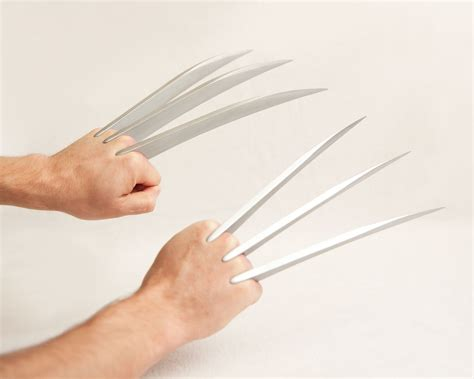 Origami Wolverine Claws - xo wolverine claws matter props