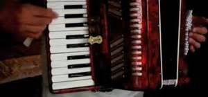 beirut prenzlauerberg on accordion by ariane how to learn accordion bass buttons 171 accordion wonderhowto