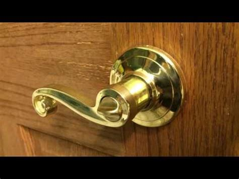 Unlock Bathroom Door Twist Lock by How To A Door Lock With A Bobby Pin Funnycat Tv