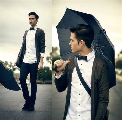 New Cardi Zara adam gallagher new york umbrella bow tie h m shirt