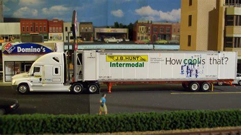 j hunt home ls j b hunt freightliner cascadia truck tractor 53