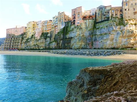 images of travel guide to tropea italy