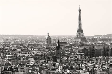 Guess Eiffel Black with eiffel tower in black and white leclerc jpg 900 215 600 black white