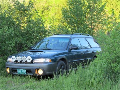 1998 subaru legacy custom chrisinvt 1998 subaru legacyoutback wagon 4d specs photos