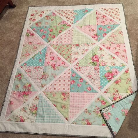 Shabby Chic Patchwork Quilts - 49 best images about patchwork shabby chic quilt on