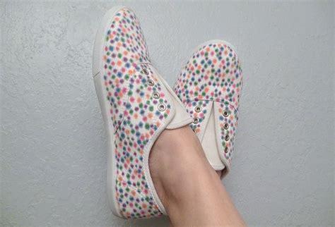 como decorar mis zapatillas ideas para personalizar unas zapatillas b 225 sicas mam 225 tatuada