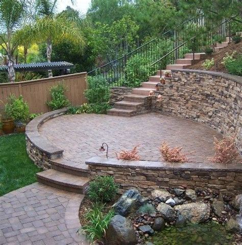 Backyard Wall Ideas by Useful And Great Landscape Design For Sloped Backyard Sloped Backyard Ideas