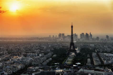 a parigi macron annuncia un nuovo summit per il clima a parigi valori