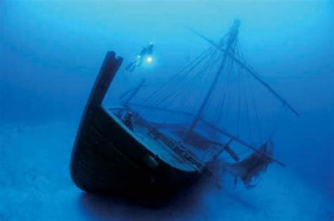 uluburun shipwreck 4 000 year old minoan shipwreck discovered in turkish