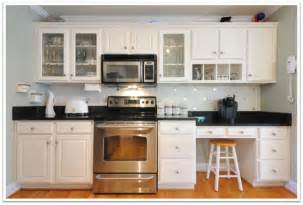 Where To Put Glass Cabinets In A Kitchen Upgrade Your Kitchen Cabinets Simply By Using Glass