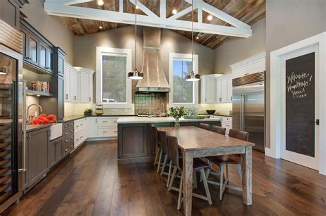 Farm Style Kitchen by 4 Warm And Luxurious Modern Farmhouse Decor Ideas
