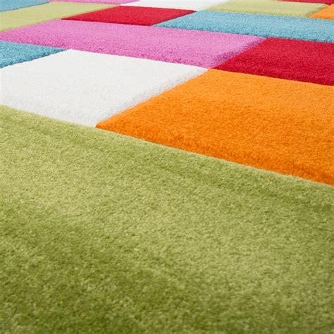 teppich grün gemustert kinderzimmer teppich bunt creme gr 252 n pink t 252 rkis