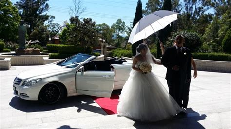 OZ Limo Hire Sydney   School formal Cars Sydney  Wedding