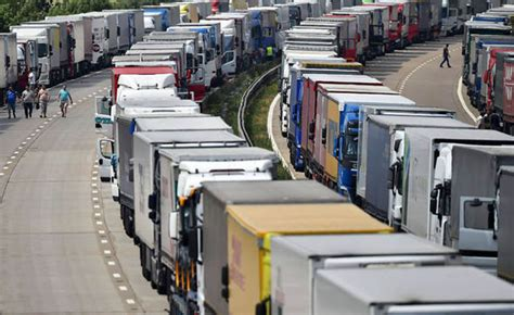 how many trucks are there in jam strikers cause 38 mile jam as truckers chaos
