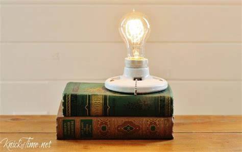 how to make a repurposed books light