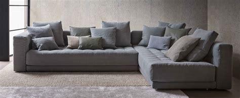 divani a l divani angolari componibili una quot l quot per arredare il