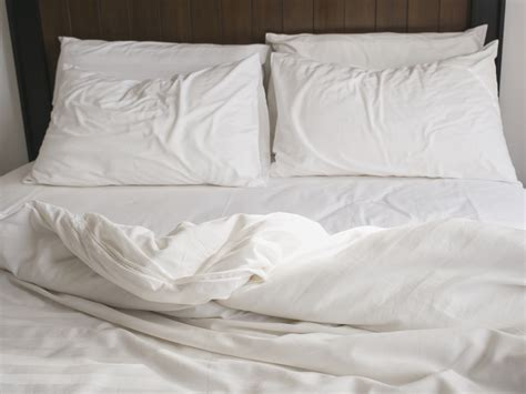 pillow top bed sheets why you shouldn t make the bed in the morning