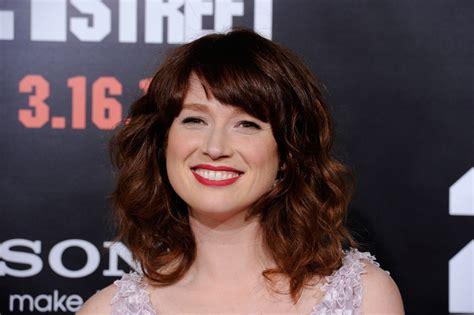 ellie kemper might need to steal her hair color lovely ellie kemper long wavy cut with bangs ellie kemper hair