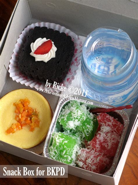 Snack Kotak just my ordinary kitchen snack box for bkpd