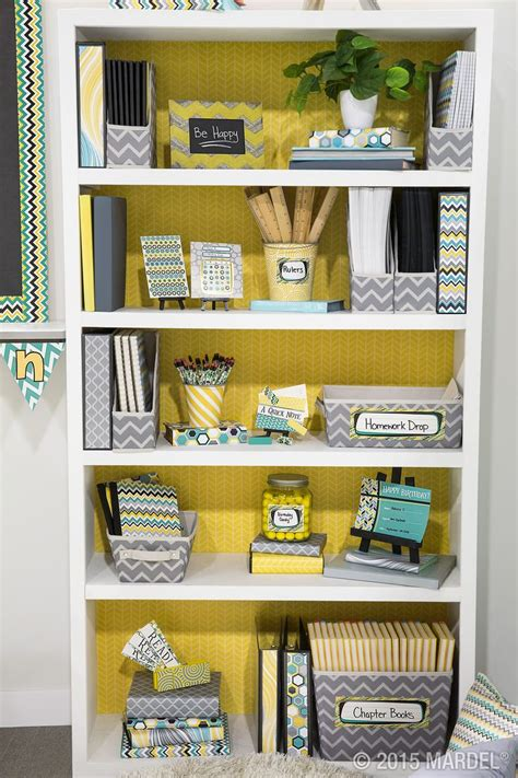 mixed pattern of organization 25 best ideas about teacher desk organization on