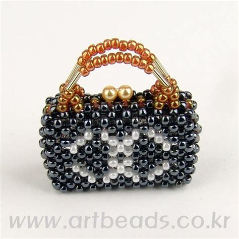 beaded purse tutorial beaded chanel tiny purse with tutorial see also on this