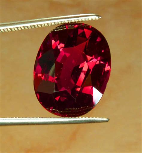 Grossular Garnet 2 40ct all that glitters gemstone photographs garnet