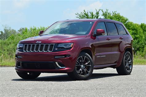 racing jeep cherokee driven 2016 jeep grand cherokee srt carfax blog