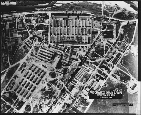 Auschwitz Records File Auschwitz I C Oswiecim Poland Nara 305899 Jpg Wikimedia Commons