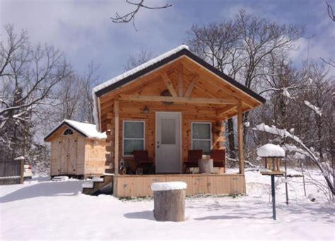 amish built tiny cottage