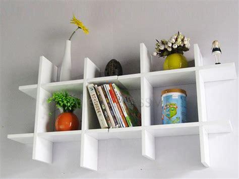 membuat rak sepatu di dinding desain rak dinding minimalis tips rumah minimalis modern