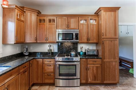 natural cherry kitchen cabinets natural cherry shaker kitchen with dark granite