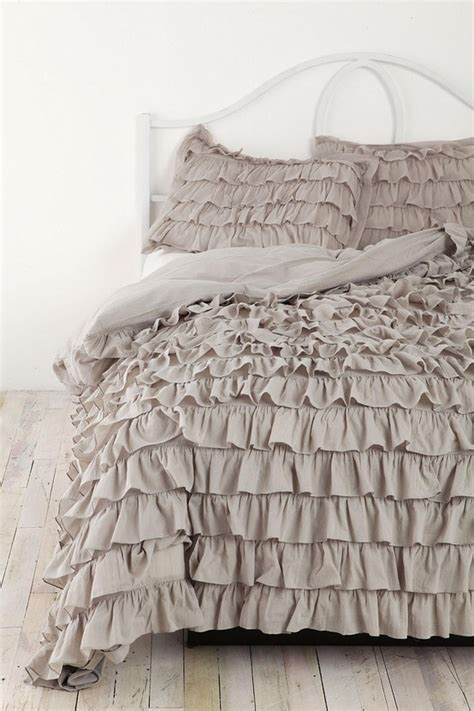 ruffled bedspreads comforters ruffle bedding crafts diy projects 4 the future