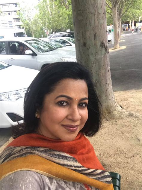 actress radhika sarathkumar net worth radhika sarathkumar wiki biography age family height