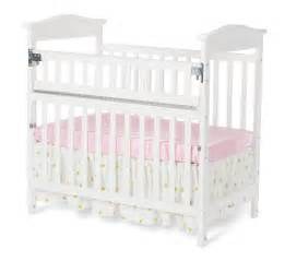 Foundations Mini Crib Foundations The Princeton Clear Choice Mini Crib By 174 With Safereach 174 Side White