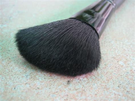 E L F Studio Angled Blush Brush e l f studio angled blush brush review