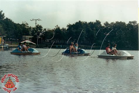 paddle boats up charge rides great adventure history - Paddle Boats History